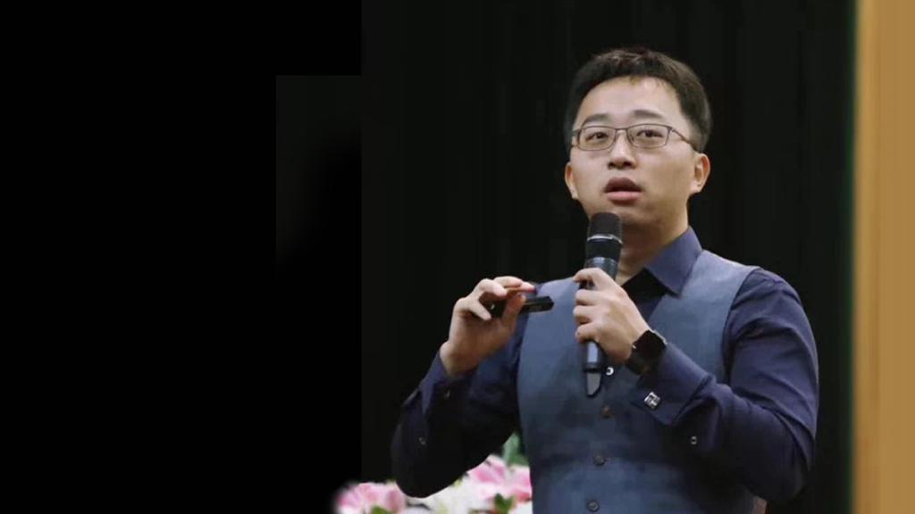 Scholar Sponsor Xumin Hu